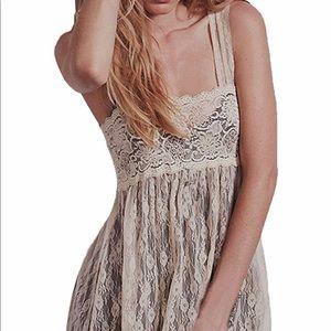 Dresses & Skirts - Floral Lace Empire Waist Maxi Dress